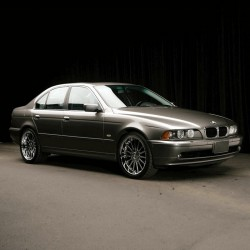 BMW 525i (2001) - Owners Manual - User Manual